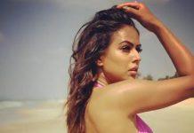nia_sharma_beachside